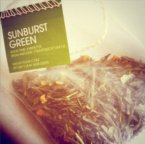 Suburst_green_tea_mighty_leaf_iced_tea_teaspoons_&_petals