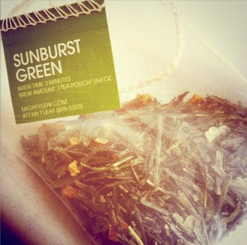Suburst_green_tea_mighty_leaf_iced_tea_teaspoons_&_petals