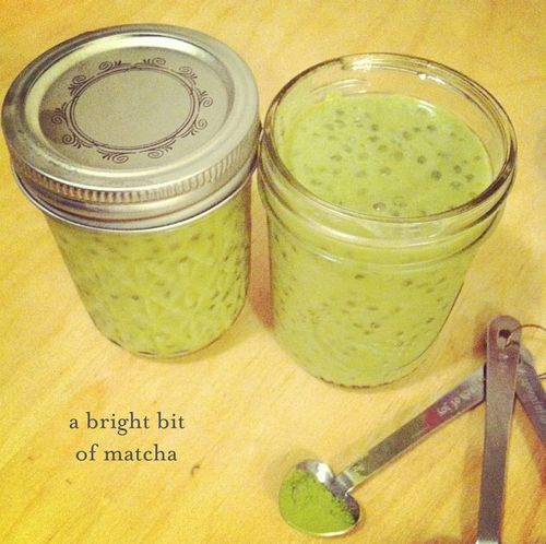 Matcha-green-tea-and-orange-blossom-tapioca-teaspoons-&-petals